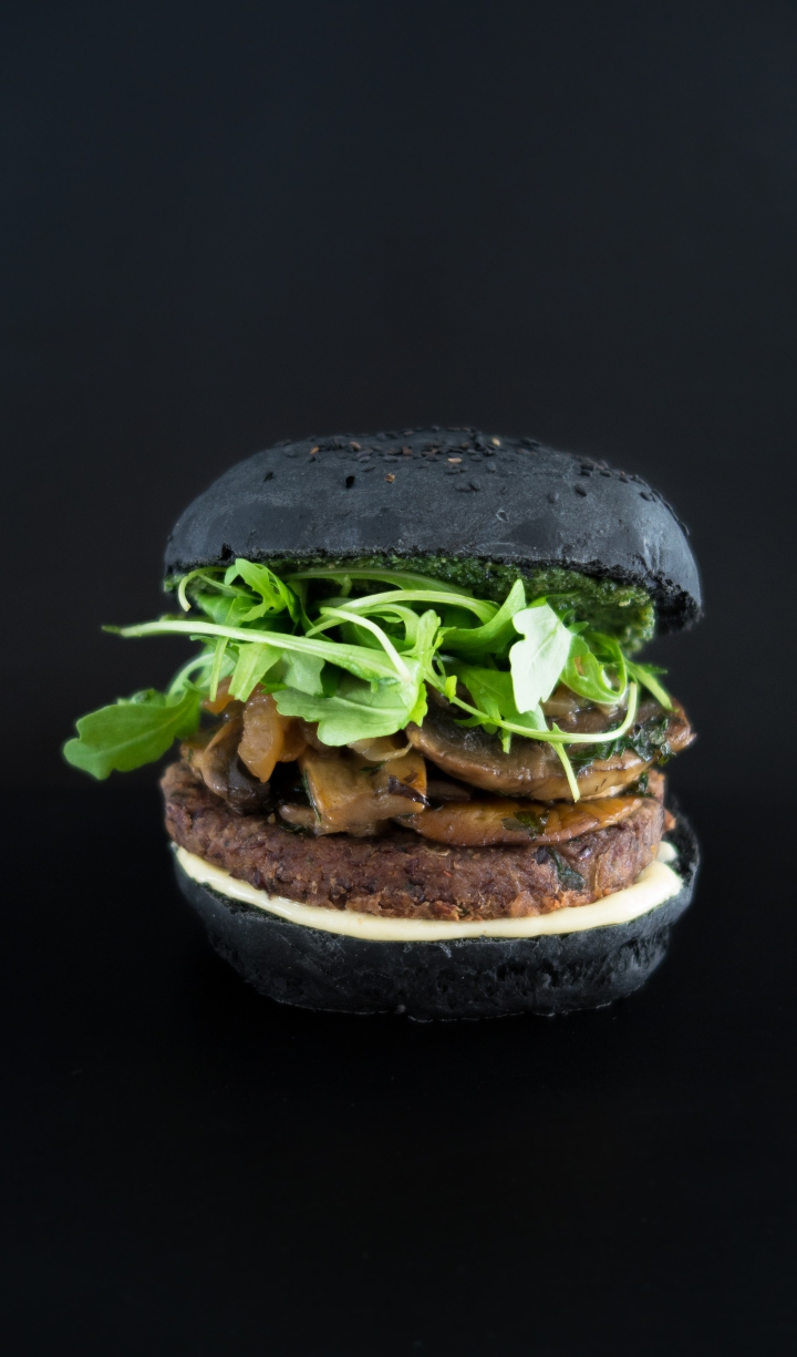 Portobello burger, steak de haricots rouges VEGAN